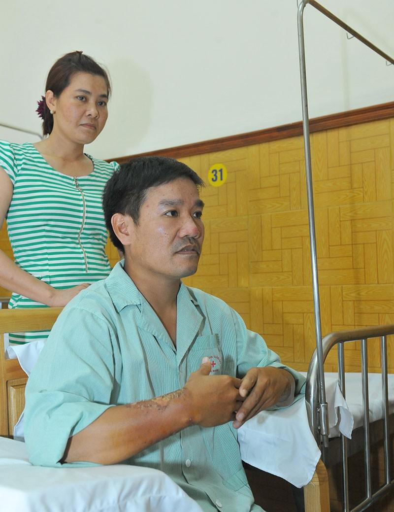 Ông Nguyễn Thiện Nhân thăm phi công Nguyễn Hữu Cường - ảnh 8