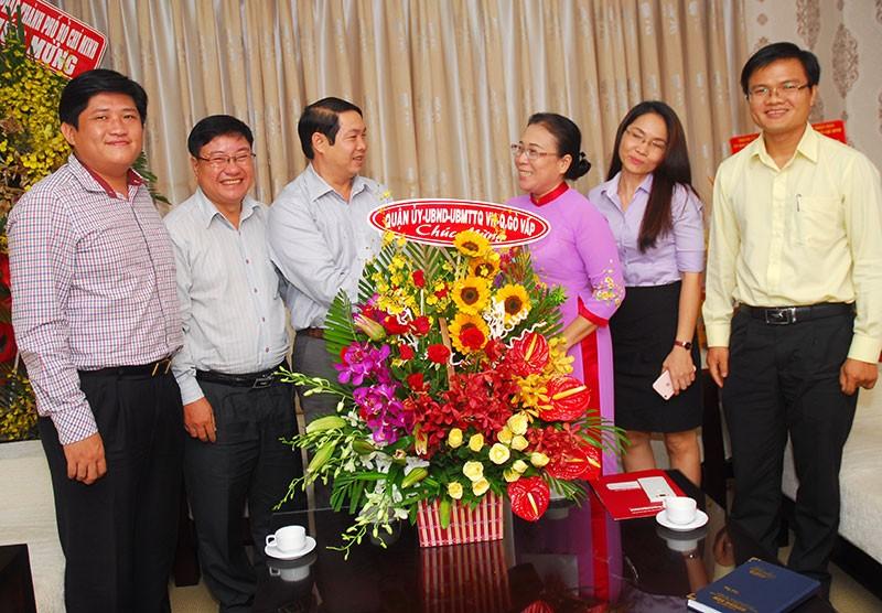 Nguyên Phó Chủ tịch nước Trương Mỹ Hoa chúc mừng báo Pháp Luật TP.HCM - ảnh 6