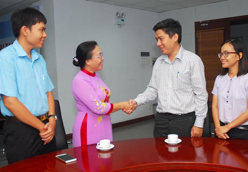 Nguyên Phó Chủ tịch nước Trương Mỹ Hoa chúc mừng báo Pháp Luật TP.HCM - ảnh 5