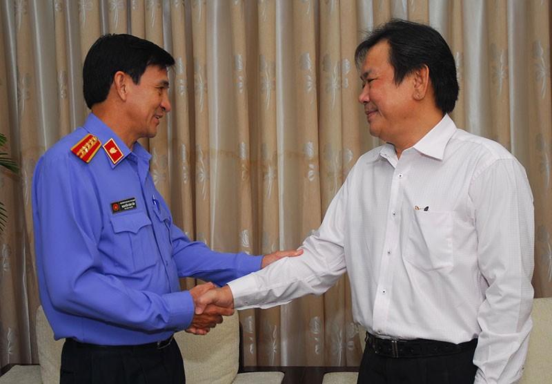 Nguyên Phó Chủ tịch nước Trương Mỹ Hoa chúc mừng báo Pháp Luật TP.HCM - ảnh 4