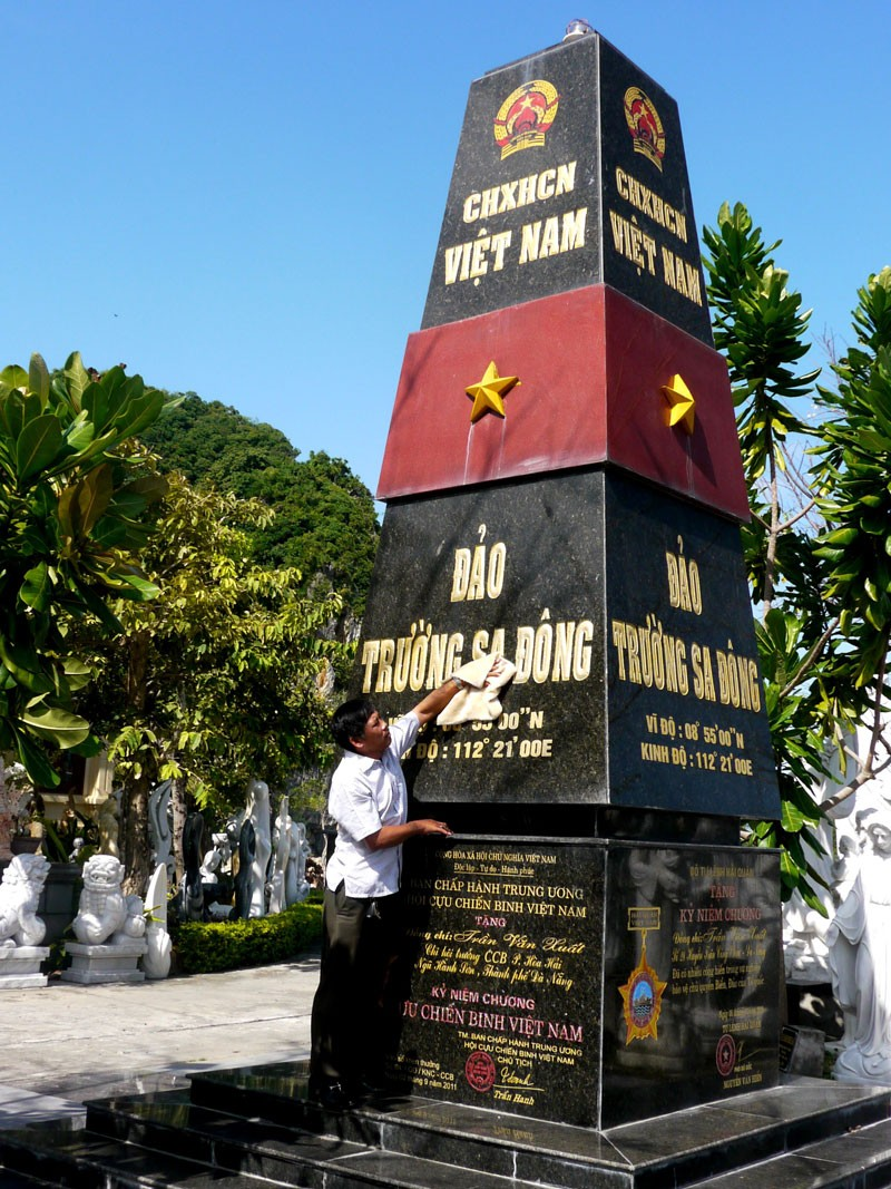 Mô hình cột mốc chủ quyền Trường Sa nhận kỷ lục Việt Nam  - ảnh 5