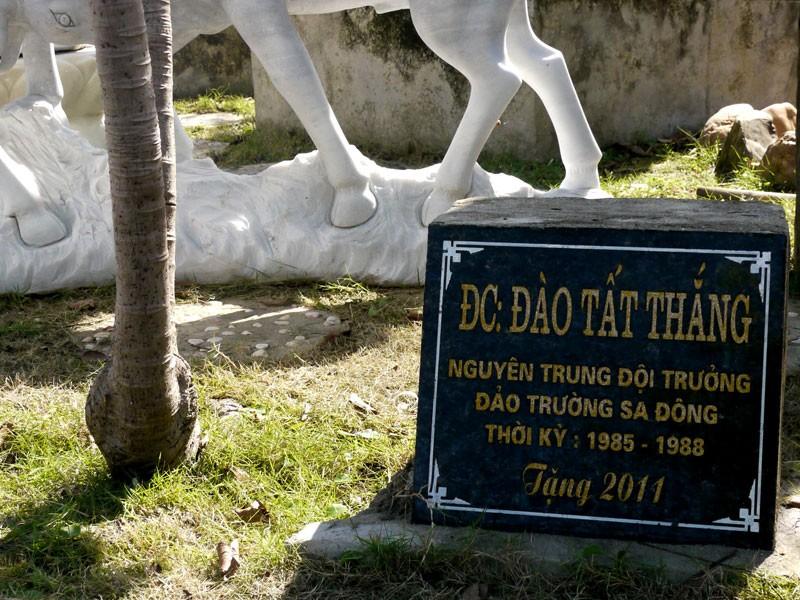 Mô hình cột mốc chủ quyền Trường Sa nhận kỷ lục Việt Nam  - ảnh 3