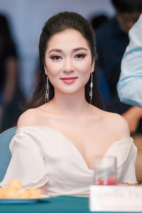 Trước Ngọc Trân còn có 3 người đẹp học báo chí, đó là hoa hậu Việt Nam 2004 Nguyễn Thị Huyền