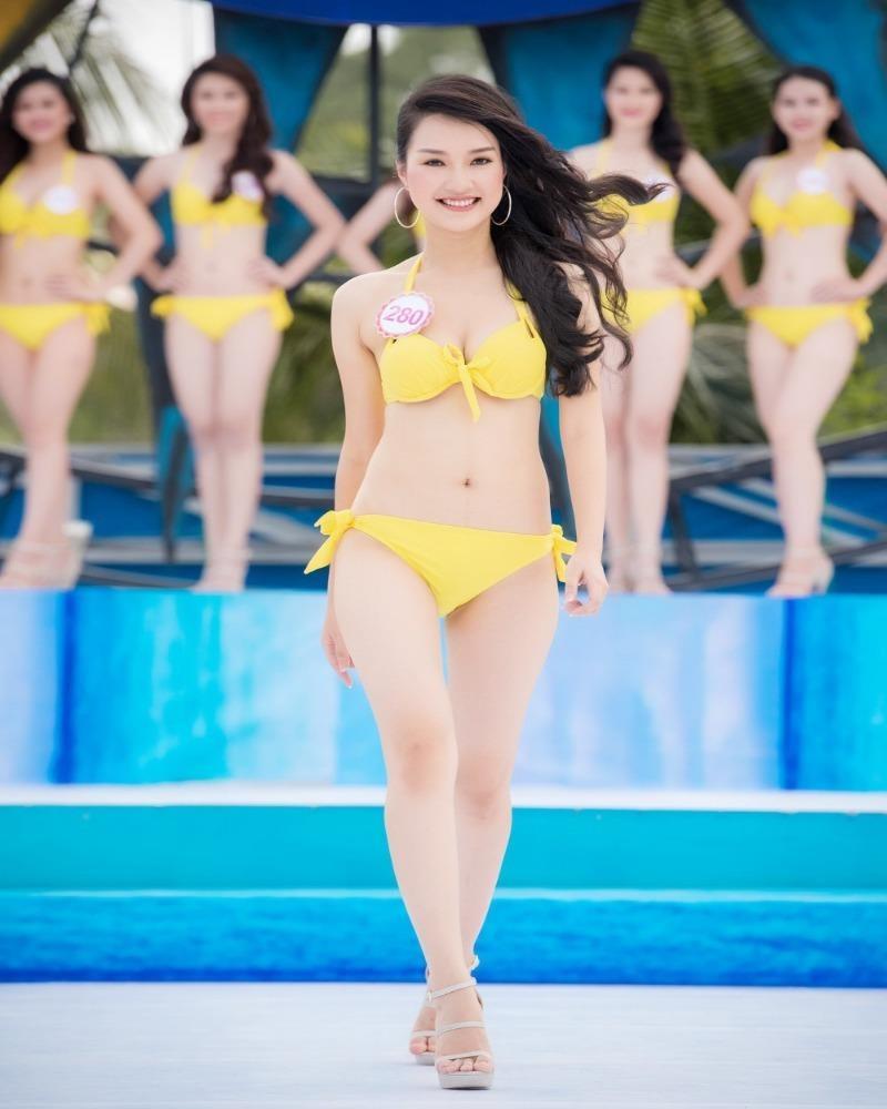 Hoa khôi xứ Huế - Lê Trần Ngọc Trân - sinh năm 1995, cao 1,68 m, số đo 80-62-92