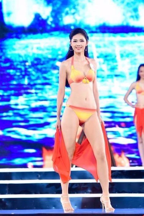 Ngô Thanh Thanh Tú, sinh năm 1994, cao 1m80, là thí sinh cao nhất trong số đại diện top 18 chung kết phía Bắc