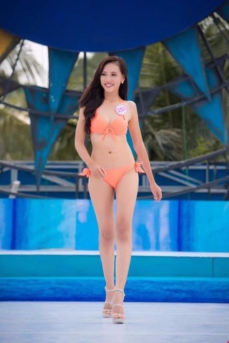 Trần Thị Thuỳ Trang cao 1,8m, là người đẹp cao nhất trong top 18 thí sinh đại diện miền Nam