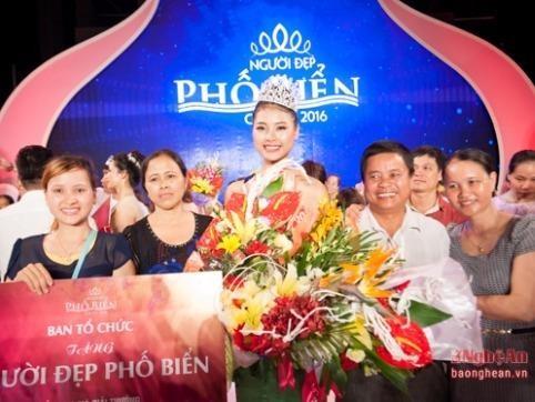 Trước khi đến với cuộc thi Hoa hậu Việt Nam, cô từng giành giải cao nhất cuộc thi Người đẹp phố biển Cửa Lò 2016