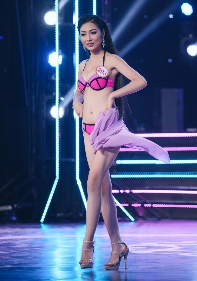"""Và giải """"Miss Hoàn vũ 2016"""" của Hội thi Học sinh, Sinh viên tài năng - thanh lịch thành phố Đà Nẵng năm 2016"""
