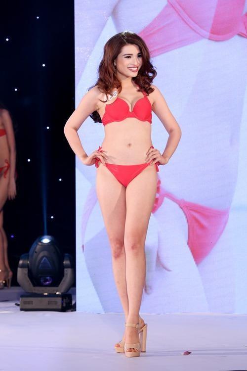 Phạm Thị Diễm Nhi: SN 1996, đến từ Khánh Hòa. Cô cao 1m65, cân nặng 55kg, số đo 3 vòng: 87-61-88