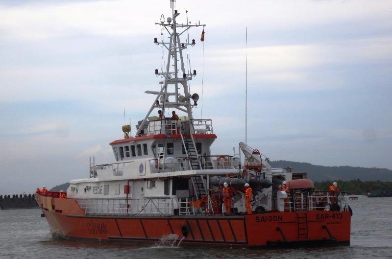 Tàu SAR 414 được huy động tìm kiếm 2 người mất tích trên biển.