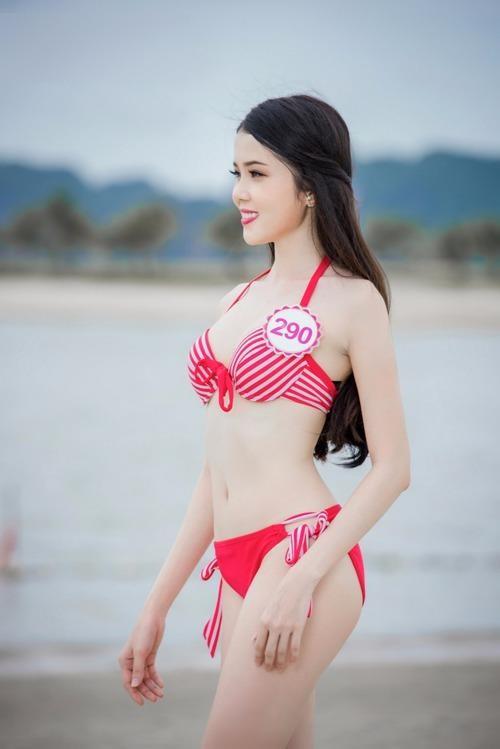 Huỳnh Thúy Vi cao 165 cm, nặng 46 kg, số đo ba vòng 79-60-88