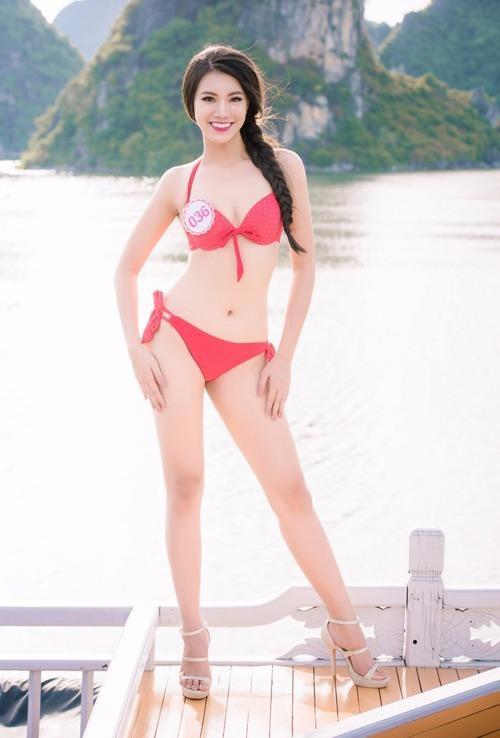 Hoa khôi ĐH Nam Cần Thơ Nguyễn Huỳnh Kim Duyên. Cô cao 1,72 m, nặng 54 kg, số đo ba vòng 84-64-91