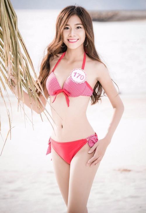 Phan Thị Hồng Phúc có chiều cao 1,68 m, cân nặng 49 kg, số đo ba vòng 83-63-88.