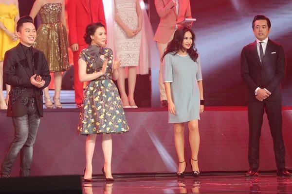 Bốn huấn luyện viên của chương trình. Từ trái qua: Tùng Dương, Hồ Quỳnh Hương, Thanh Lam, Dương Khắc Linh.
