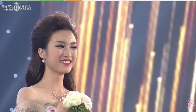Người đẹp ĐH Ngoại thương đăng quang Hoa hậu Việt Nam 2016 - ảnh 3