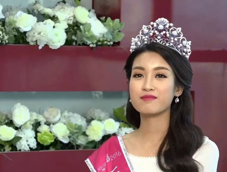 Tân Hoa hậu Đỗ Mỹ Linh: 'Em chưa hề làm gì răng mình hết!' - ảnh 8