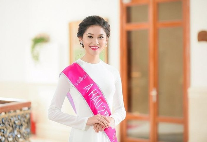 Á hậu 2 Huỳnh Thị Thùy Dung.