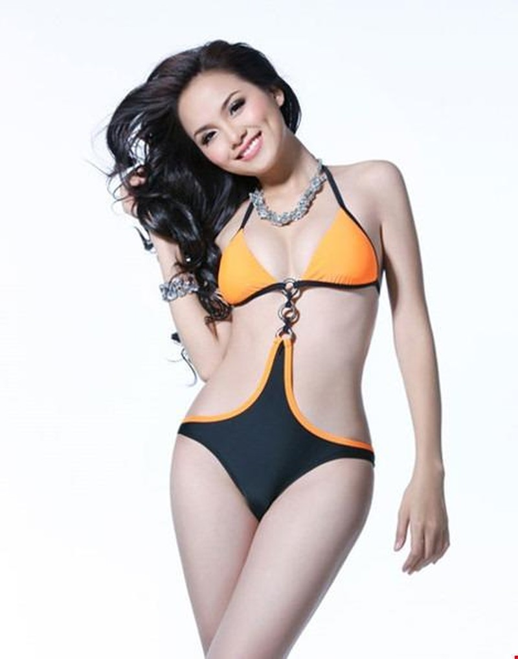 Đồng thời Diễm Hương là một trong 14 người đẹp xuất sắc lọt vào bán kết.
