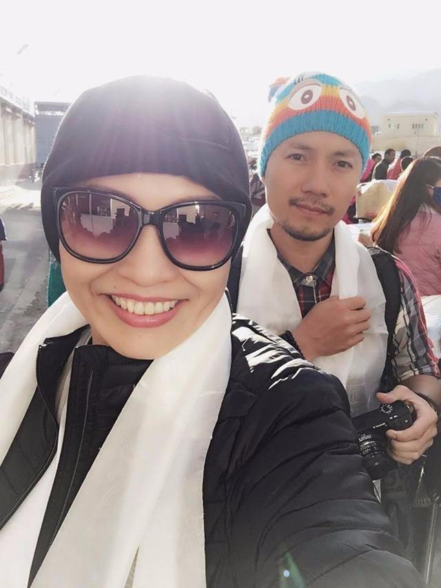 Hình ảnh Phương Thanh và Rapper Tiến Đạt trong những ngày mới đặt chân đến Ấn Độ. Ảnh: NVCC.
