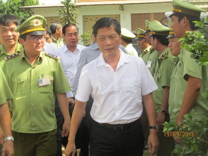 Bộ trưởng Công thương thăm gia đình anh Nguyễn Kim Danh - ảnh 1