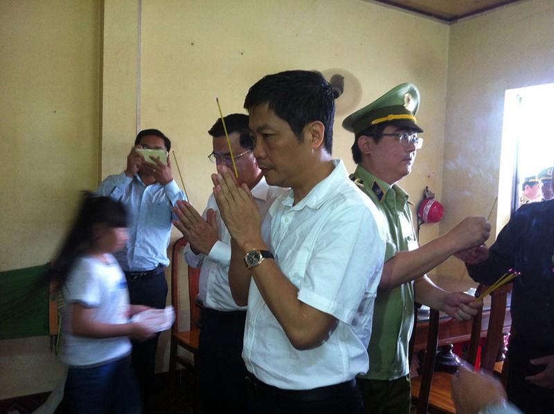 Bộ trưởng Công thương thăm gia đình anh Nguyễn Kim Danh - ảnh 4