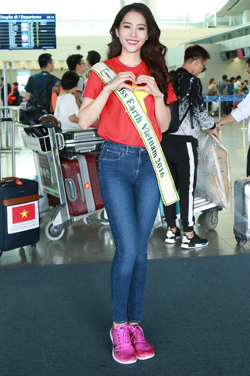 nam-em-mang-11-valy-hanh-ly-di-thi-miss-earth-5