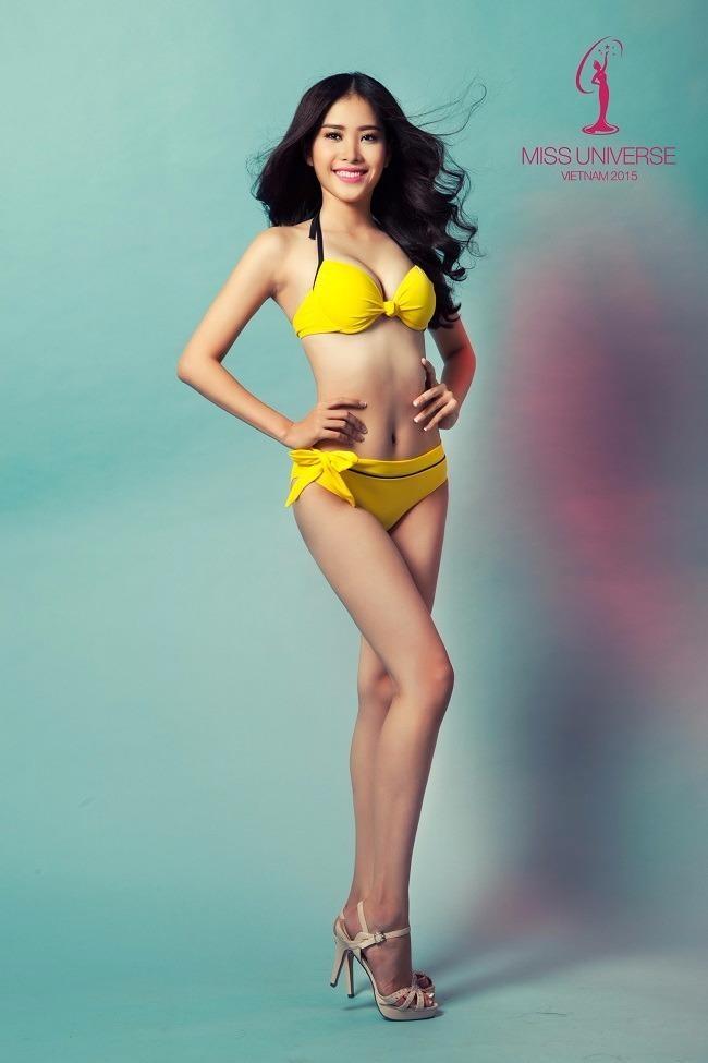 Nguyễn Thị Lệ Nam Em sinh năm 1996 tại Tiền Giang. Cô có số đo khá chuẩn: 85–60–90.