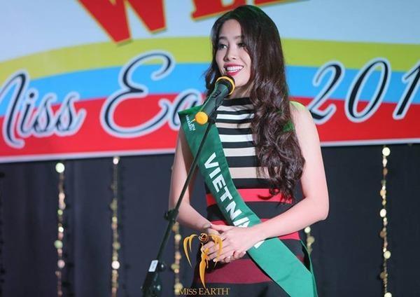 Nam Em giới thiệu về bản thân tại Miss Earth 2016 tại Philippines. Ảnh: NGÔI SAO