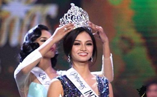 Kylie Verzosa trong giờ phút đăng quang ngôi vị Hoa hậu Quốc tế 2016 (Miss International). Ảnh: MISSGLOBALBEAUTIES/NLĐO
