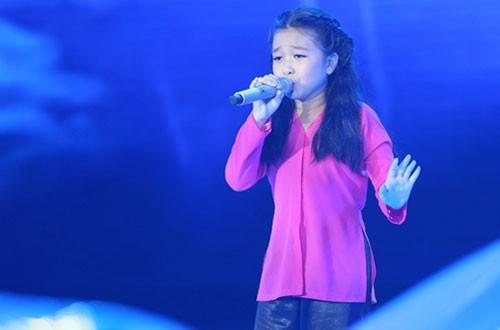 Giọng ca Mai Anh đội Noo Phước Thịnh cũng biểu diễn tốt. Ở phần solo cô bé được huấn luyện viên chọn Quê em mùa nước lũ - Chị đi tìm em để khoe giọng. Thí sinh nhí làm cho người xem xúc động bằng giọng hát ngọt ngào của mình.
