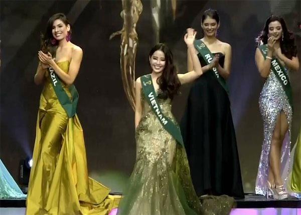 Đại diện Việt Nam, Nguyễn Lệ Nam Em, có mặt trong top 3 dự án cộng đồng cùng người đẹp Ukariane và Moldova. Nhưng cô không may mắn chiến thắng. Giải thưởng thuộc về đại diện của Moldova. Ảnh ZING