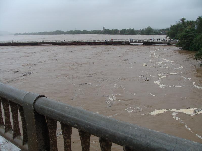 Quảng Ngãi: Đề phòng mưa lũ dâng cao trở lại trong đêm - ảnh 2