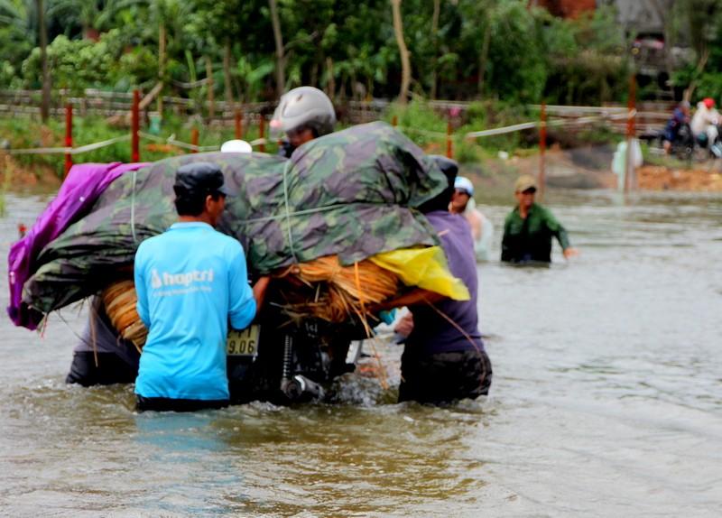 Quảng Nam: Thủy điện xả nước, dân hạ du lo lắng - ảnh 2