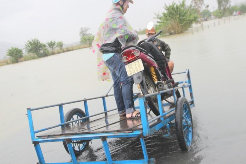 Quảng Nam: Thủy điện xả nước, dân hạ du lo lắng - ảnh 3