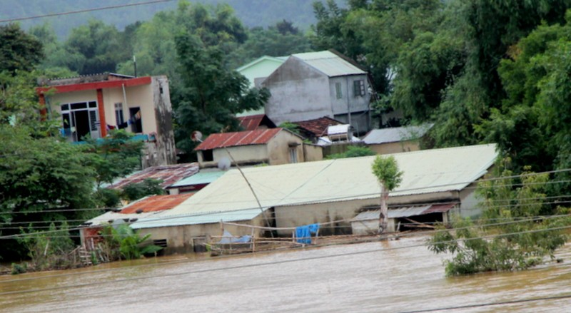 Quảng Nam: Thủy điện xả nước, dân hạ du lo lắng - ảnh 1