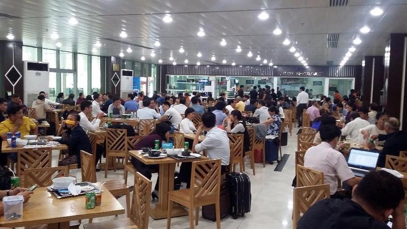 Máy bay đi Buôn Ma Thuột đáp xuống sân bay…Tân Sơn Nhất - ảnh 2