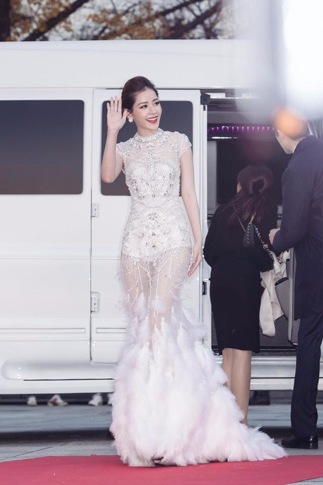 """Chi Pu xuất hiện rạng rỡ trên thảm đỏ lễ trao giải """"Asia Artist Awards 2016"""" diễn ra tại Seoul, Hàn Quốc. Ảnh DÂN TRÍ"""