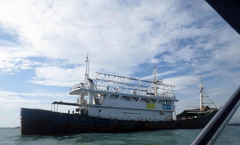 Làm rõ con tàu Trung Quốc bí ẩn trôi trên biển - ảnh 6