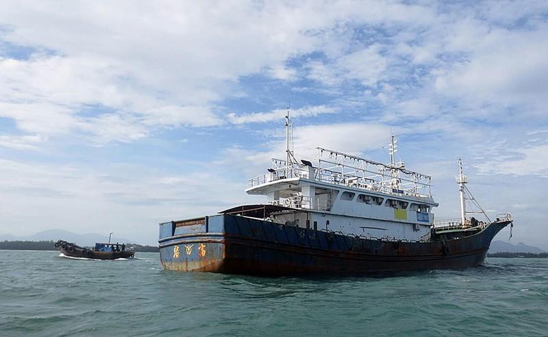Làm rõ con tàu Trung Quốc bí ẩn trôi trên biển - ảnh 8