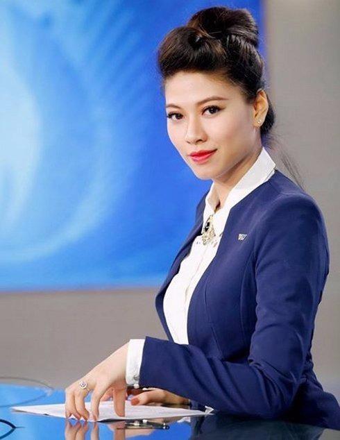 BTV Ngọc Trinh không giấu giếm khi chia sẻ BTV Vân Anh chính là thần tượng của cô. Ảnh VIETNAMNET