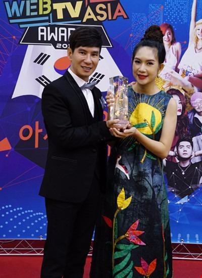 Trước đó, Chi Pu nhận giải Most Popular Online Drama - Phim chiếu mạng phổ biến nhất và Lý Hải từng nhận giải thưởng WebTV Asia Awards cho phim Lật mặt 1 ở hạng mục Phim điện ảnh mạng phổ biến nhất năm 2016, vào ngày 26-11. Ảnh Zing.