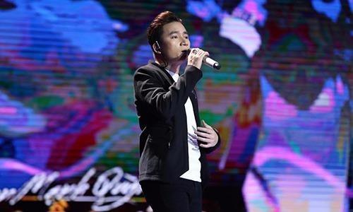 """Sau khi thể hiện sáng tác mới """"Hồi ức"""" trong vòng 24 giờ, Phan Mạnh Quỳnh đã nhận được khen ngợi từ giám khảo. Ảnh VNE"""