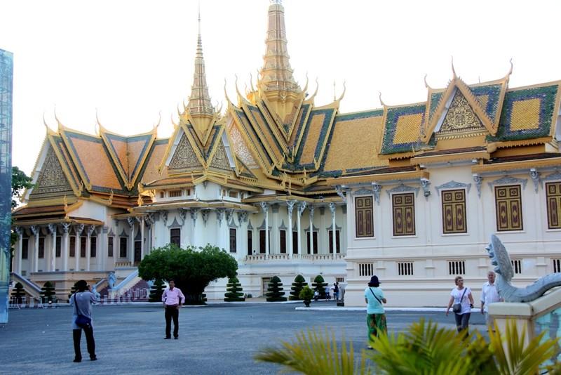 Ngỡ ngàng một Campuchia tươi đẹp - ảnh 2