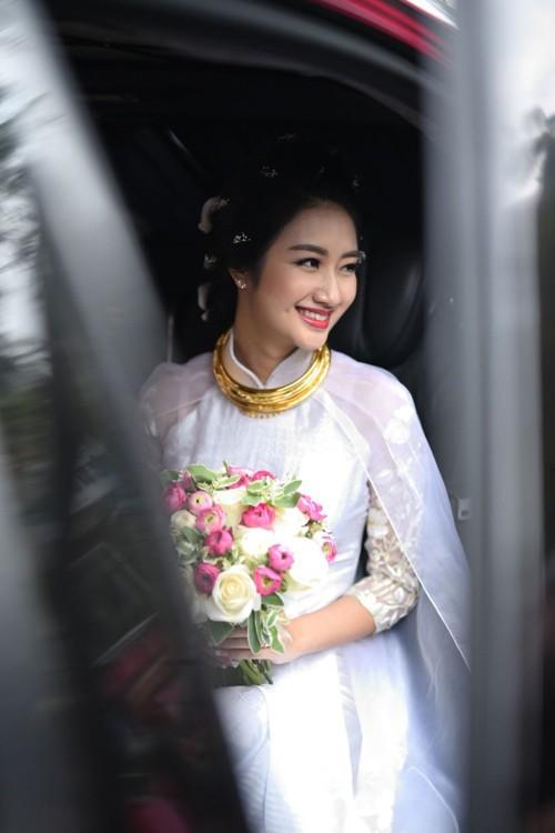 Đại gia lái siêu xe hơn 10 tỷ đón Hoa hậu Thu Ngân