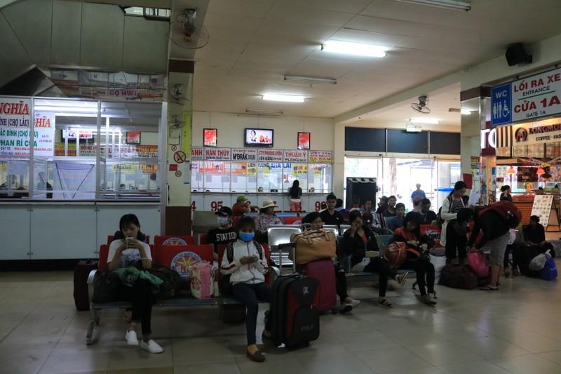 Bến xe Miền Đông không còn cảnh chen chúc mua vé Tết - ảnh 3