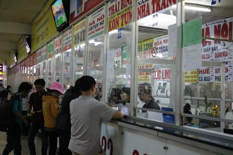Bến xe Miền Đông không còn cảnh chen chúc mua vé Tết - ảnh 5
