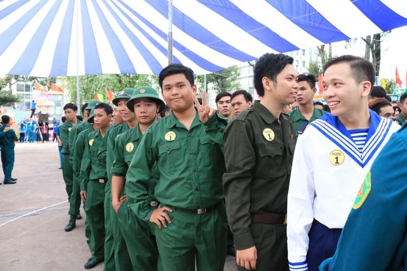 Quận Bình Thạnh: 235 thanh niên lên đường nhập ngũ - ảnh 4