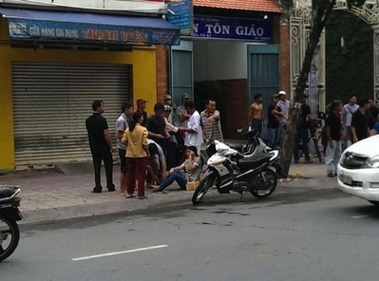 Sáng 26/8/2014, khi chạy xe tới địa điểm quay phim, chiếc xe của Thanh Hằng bất ngờ gây tai nạn khiến 1 người phụ nữ bị thương nặng ở chân phải.