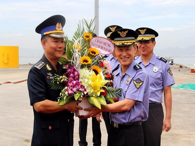 Tàu Lực lượng Bảo vệ bờ biển Hàn Quốc thăm Đà Nẵng - ảnh 1