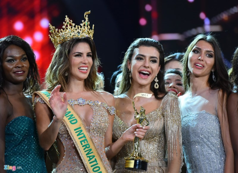 Ngắm tân hoa hậu Hoà bình Thế giới 2017 - ảnh 10